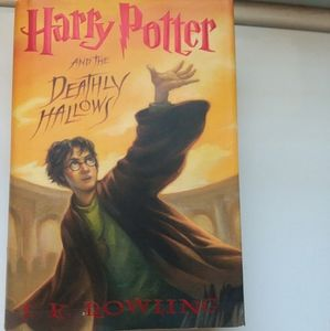 Harry potter and the deathly Hallows book !